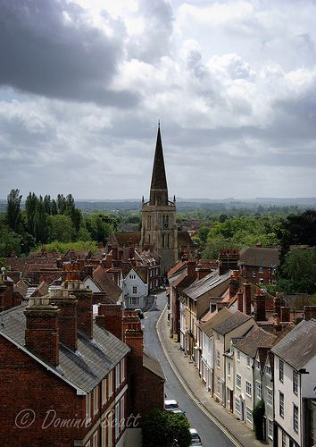 We drove through adorable Abingdon going back to Avebury from Oxford. We even bought some groceries at the huge Waitrose. Abingdon is also the birthplace of Paul's MGB!