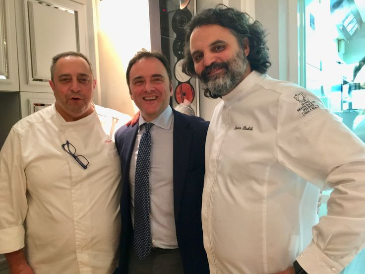 Con gli chef Giuseppe Aversa e Marco Stabile, al termine di un evento gastronomico a quattro mani dedicato all'olio extravergine di oliva