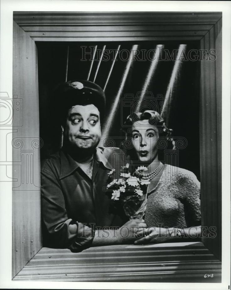 Press Photo Jackie Gleason and Audrey Meadows in The Honeymooners - cvp74383