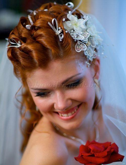 félkontyok+-+menyasszonyi+frizura+-+félkonty