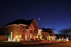 How to Set Your Christmas Lights to Flash to Music #xmas #DIY #home #decorate #dance