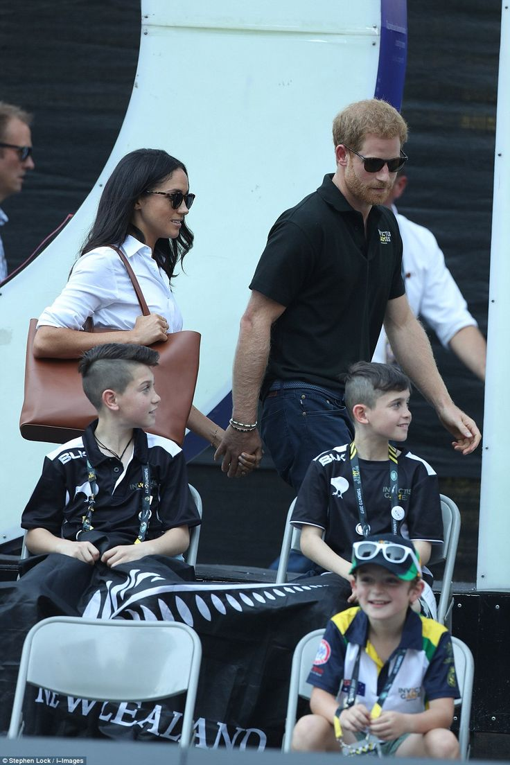 dailymail: Invictus Games, September 25, 2017-Prince Harry and girlfriend Meghan Markle attended the wheelchair tennis matches