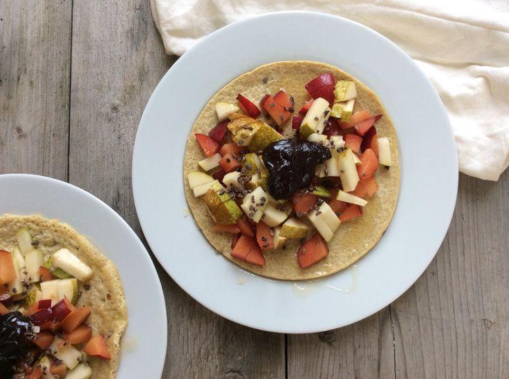 Havermout pannenkoek met fruit en honing