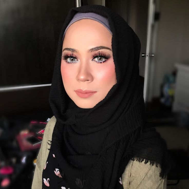 Siapa rindu kakak garang!? To be honest, ME! Hihi. Hari ni my bestie @tahirahk11 requested for wedding makeup on her face. Tq tiwah for lending me your face to get myself prepared for makeup jobs nanti. Kalau tak, ketar2 tgn. God bless youuu! Tapi ini dipanggil makeup asal siap sebabbb si kecik dah memanggil2 nak susuuuu! #malaywedding #malayweddingguide #pengantin #kahwin #nikah #sanding #tunang #makeupartist #makeupartists #makeupartistmalaysia #muamalaysia #makeupartistkl…