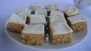 Chewy carrot, oat and walnut slice