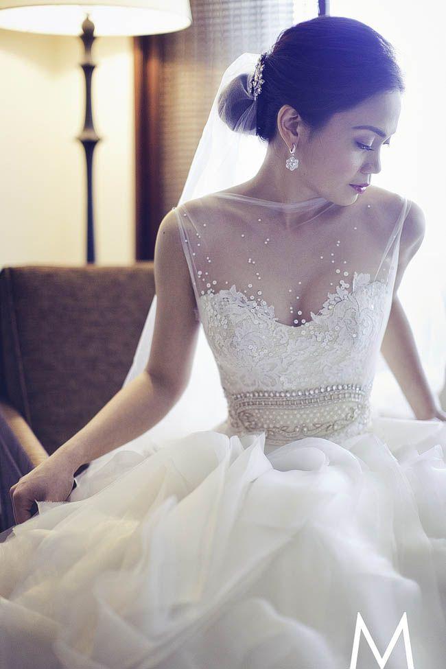 Gorgeous gown by Veluz. Photo by Oly Ruiz.