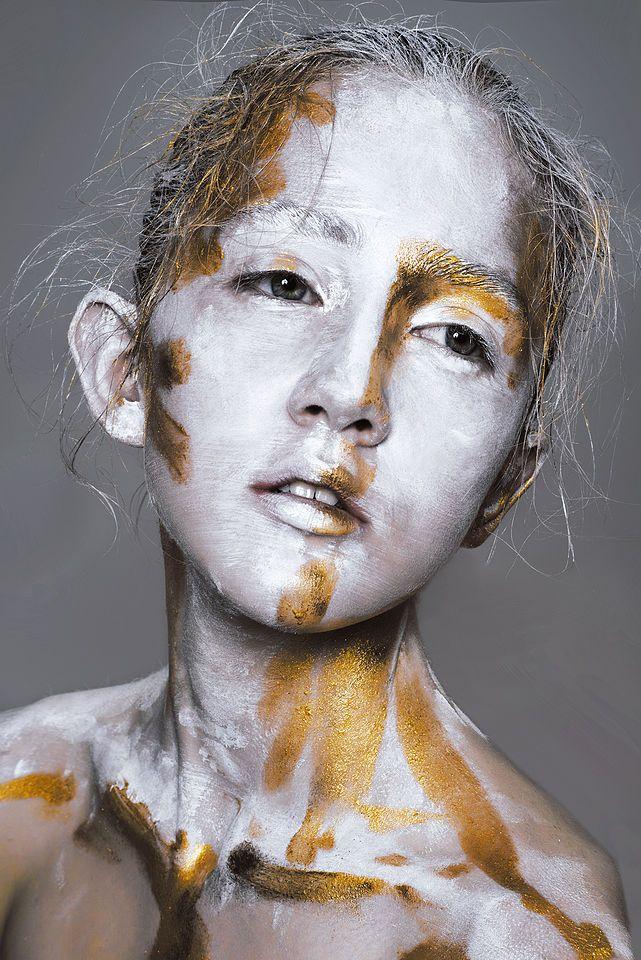 Ph.: Marianna Vysotskaya MUAH: Darya Kholodnykh Model: Misha @ TANN