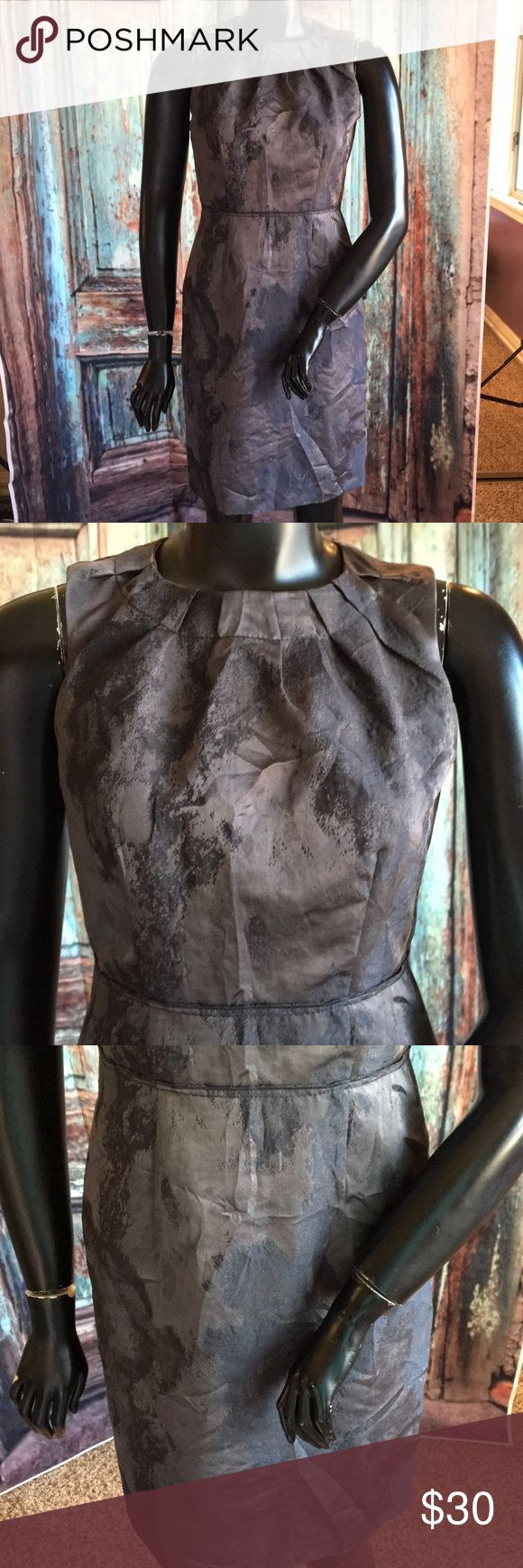 LOFT Career Grey Dress Career style dress from LOFT. Size 2. Grey colored pattern. Scoop neck. Super cute. In good condition. LOFT Dresses