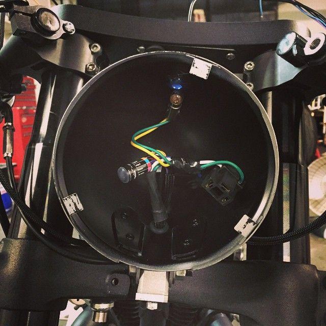 Hide Wiring Headlight Cafe Racer : Motogadget m button clean wiring honda café racer