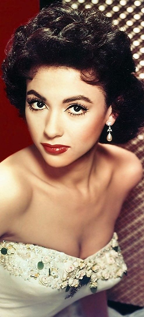 Rita Moreno Love this look of the style of photography but with current hair