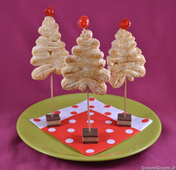 • Segnaposto natalizi di sfoglia - Ricetta Segnaposto natalizi di sfoglia