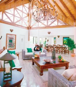 Casa de Campo: Interiors Scapes,  Eating House,  Eating Places, Cottage,  Eateri, Interiors Design, High Ceilings, Villas Interiors, Comforter Villas