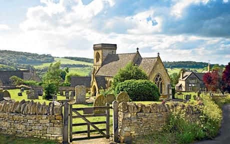 The Cotswolds (GB) - a village churchyard