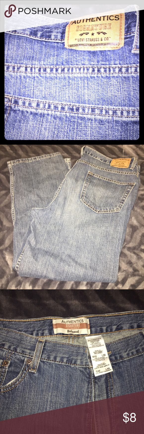 Levi Strauss Men's Relaxed Fit Jeans Relaxed Fit Men's Jeans by Levi Strauss - 42x30. Gently worn. Levi's Jeans Relaxed