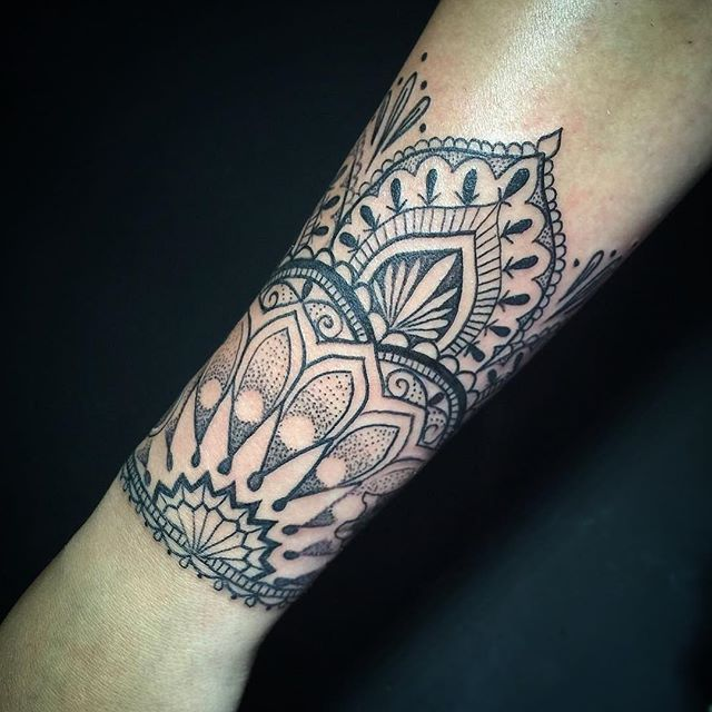 Custom mandala cuff by @aleksey_shapoval || tattoo for @alishastyle