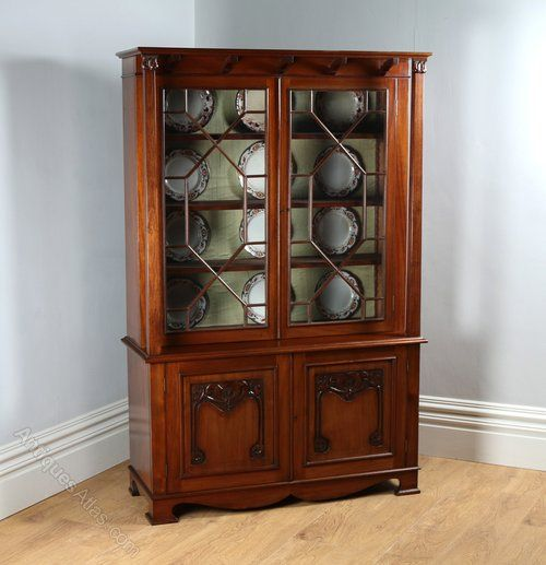 Best 25+ Glass bookcase ideas on Pinterest | Black display cabinet ...