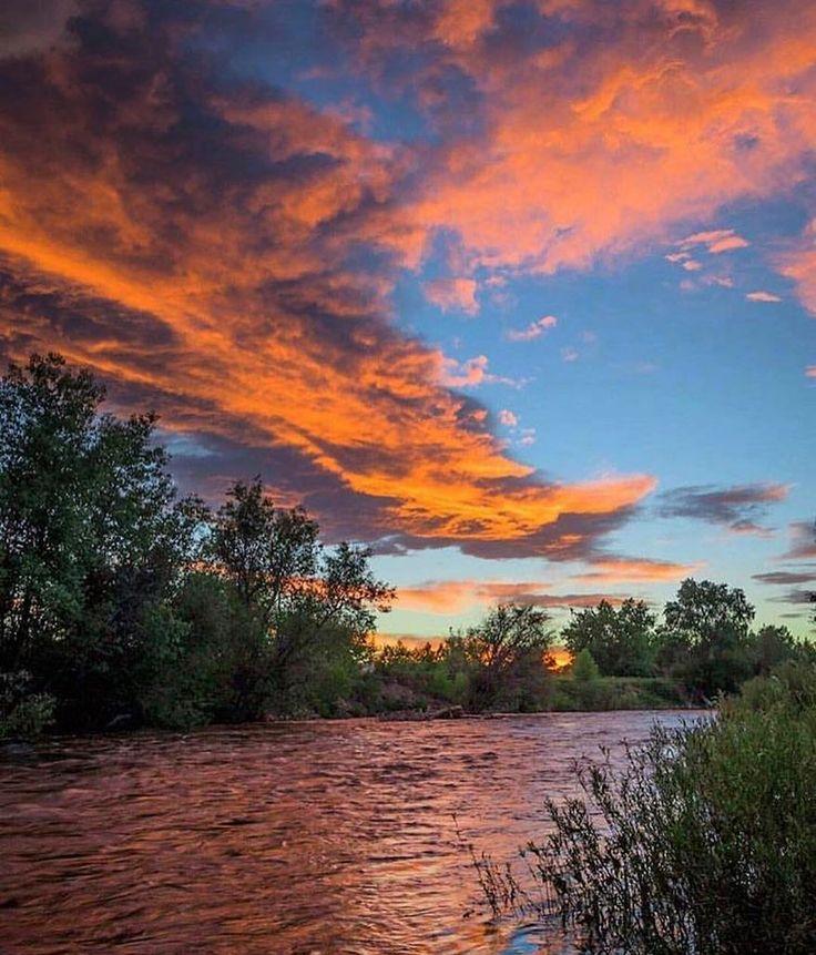 Never gets old. ✨✨#CLscenery #Colorado #beautiful #regram @bryan_clark_