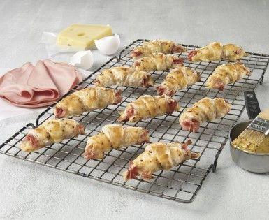 Mini croissants feuilletés au bologne et moutarde