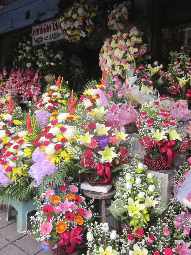 Brighten up the day with these stunning flowers captures in Thailand.
