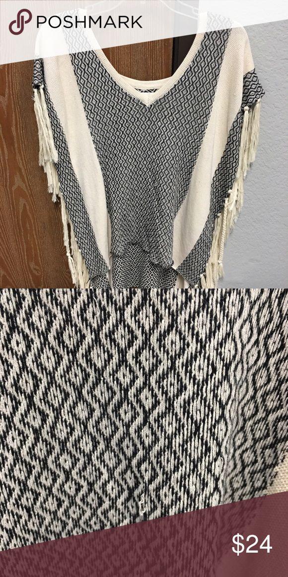 Poncho, fringe sides size Small Size small ladies poncho fringe sides worn one time! Vintage Havana Sweaters Shrugs & Ponchos