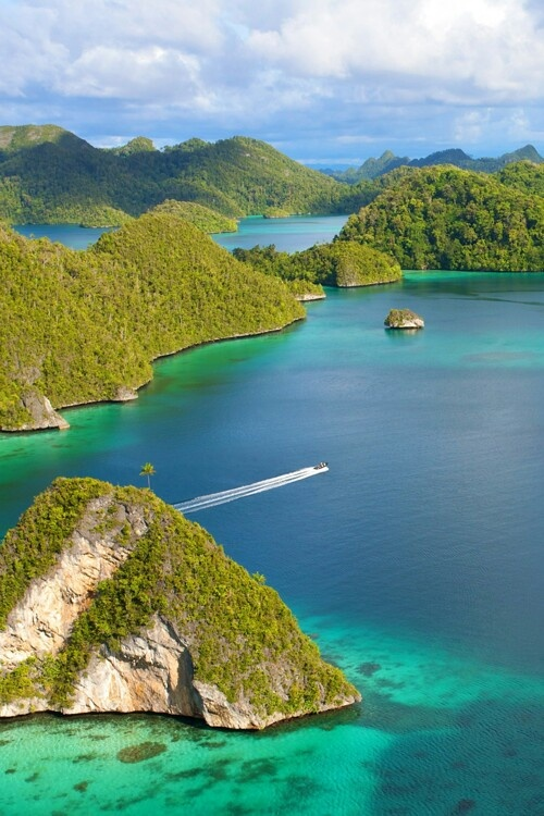 Your little slice of heaven on earth. #travel #indonesia #style