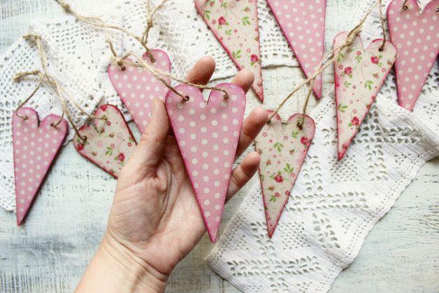 Décoration en bois couleur rose #quartz , parfait pour un #mariage ou un fête entre amis