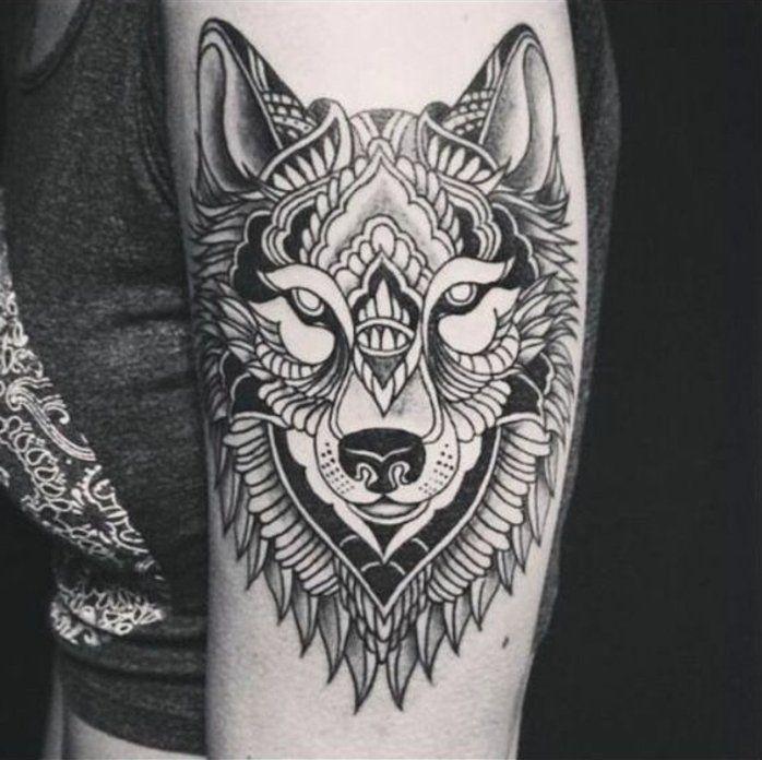 noch eine wirklich tolle idee für einen wolf tatto für die die frauen schwarzer tribal wolf
