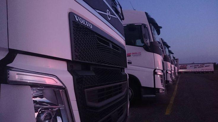 Ready for truck show .... . . . . . . #event #firemny #fotografnaevent #eventovafotografia #fotograf #fotenieeventov #elcop #magastudio #marosmarkovic #truck #truckdriverlife  #truckpictures #truckdrivers #heavyhaul #trucklove #truckshow #largecar #trucknation #trucksdaily  #freightliner #truckdriver #truckerlife #trucking #trucker #transportation  #trucks #diesel #volvotrucks