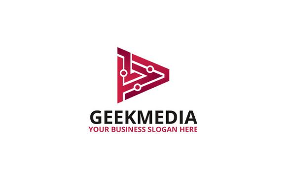 Geek Media Logo by atsar on Creative Market