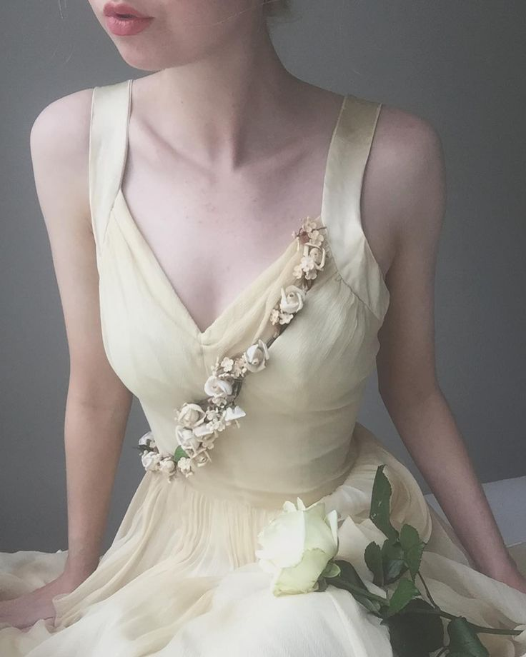 "Polubienia: 2,664, komentarze: 16 – Ida Cathrine (@idacath) na Instagramie: ""New Years nymph This dress is pure magic - 1930s ballet dress in silk chiffon and satin with wax…"""