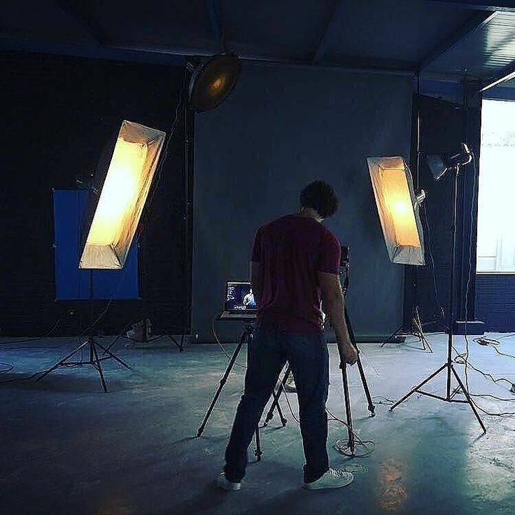 #BetterWhenYouTether #Repost @amrsaadanyphotography  In studio today prepping for our Saturdays shoot for @kafwear . Looking forward to another creative day .  #fitness #photography #bodybuilding #boxing #bts #famousbtsmag #iso1200 #elinchrom #phaseone #tethertools #setlife #studio #sports #athletes #champions
