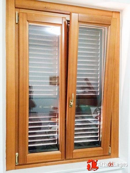 17 migliori idee su finestre in legno su pinterest for Finestra scorrevole a tre ante