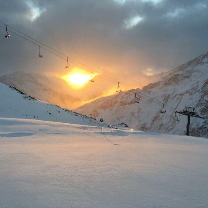 Good morning from soelden.  @soelden.official . . . . . . #gruenwaldresort #soelden #sölden #oetztal #ötztal #skiing #skifahren #skiinskiout #direktanderskipiste #chalet #vacation #outdoors #outdoorsport #holiday #urlaub #alpen #alps #snowboarding #snow #travel #loveit #loveskiing #nature #travelling #hotel #winter #wintertime #beautiful #travelgram #instatravel