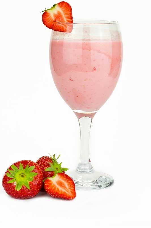 A Sempre Materna nos ensina 14 receitas de drinques especiais para gestantes, todos saudáveis e sem álcool. Tem até a versão de moj...