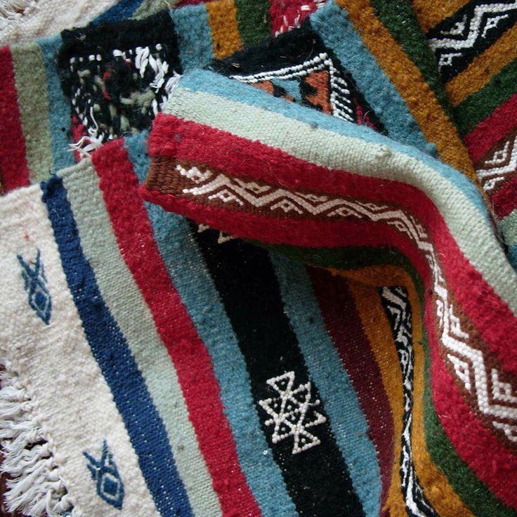 les 74 meilleures images du tableau tapis berbere kilim. Black Bedroom Furniture Sets. Home Design Ideas