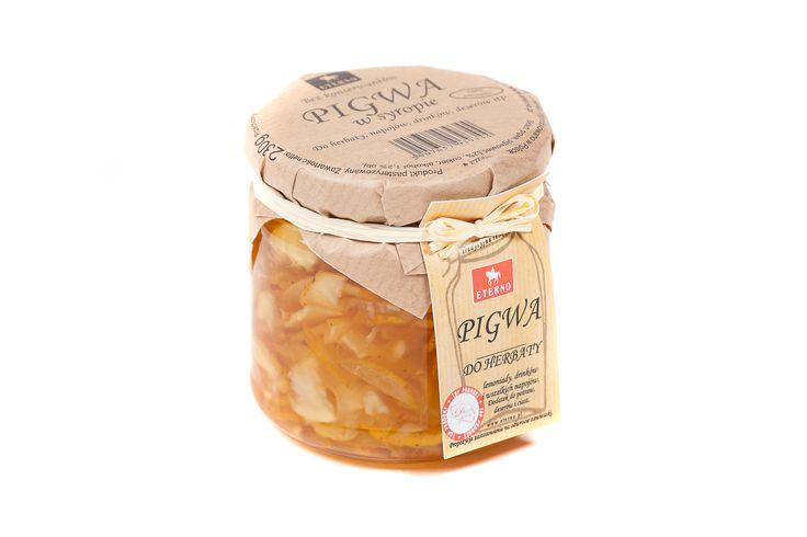 Pigwa w syropie - połączenie owoców pigwy i pigwowca, który jest uwielbiany w polskich domach, przecież jest zwany polską cytryną i znany jako bomba witaminowa. Dlatego musiała się znaleźć w naszej ofercie, by wydobyć jej najlepsze walory i przygotować tak, żeby dawała nam jak najlepszy smak!