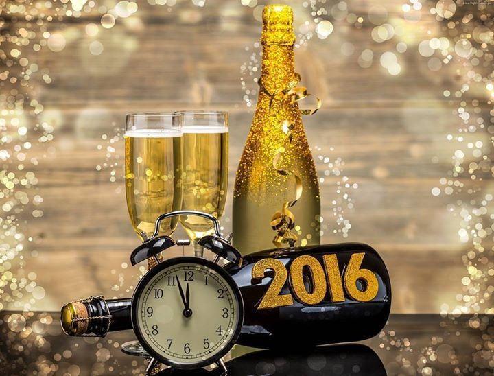 Heppy new year/Дорогие Друзья! С Наступающим Новым Годом! Всего самого наилучшего в грядущем году пусть все Ваши мечты исполнятся! Успехов и больших побед! #скороновыйгод#красиво#праздник#vk#2016#happynewyear #мир#умныемысли#цитаты#san#россия#новыйгод#me