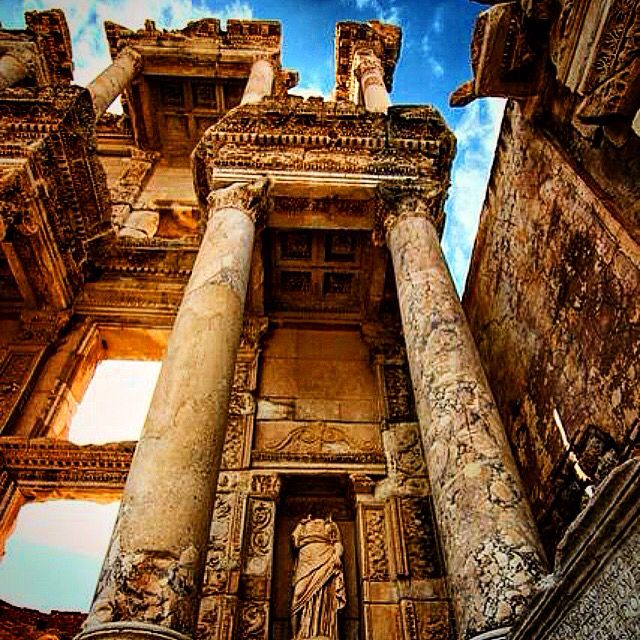 Celsus Library of Ephesus in a very different shot. Celsus Library stands as one of the most known attractions of Turkey for years. Visit, enjoy and remember Ephesus and Celsus Library with us! www.ephesustoursbylocals.com #ephesus #windstar #royalcarribean #roman #ruins #tour #turkish #turkey #izmir #istanbul #privatetour #princesscruises #ancient #amazing #azamara #selcuk #silvercruises #seabourne #shopping #history #holiday #home #hollandamerica #kusadasi #luxury #cruiseship #cruise #best