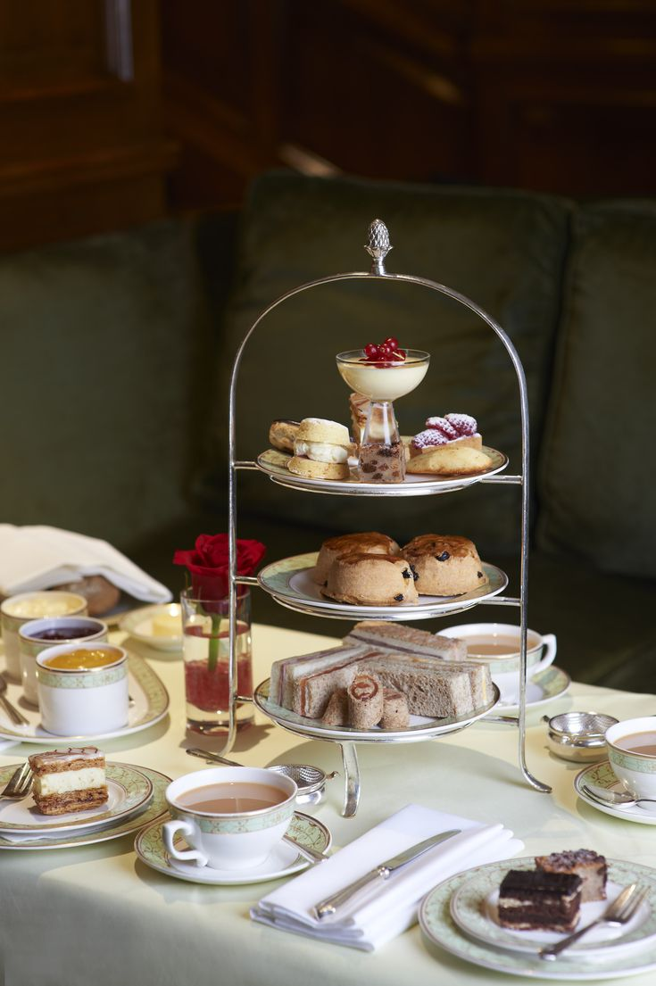 Award winning Park Room at Grosenvor House in London offers an Afternoon tea ...  downtonabbeycooks.com