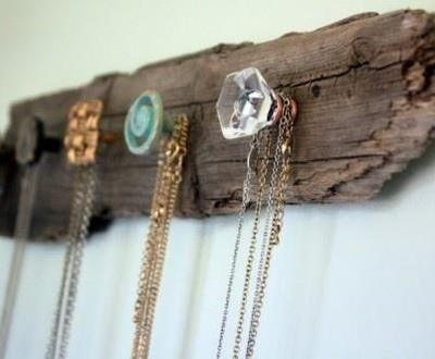 Bekijk de foto van Lime met als titel Oude deurknopjes om je juwelen aan op te hangen.  en andere inspirerende plaatjes op Welke.nl.
