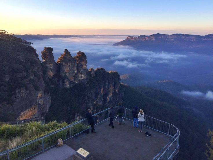 Wow!! Early morning views of Blue Mountains Australia, when was the last time you woke up to something like this? Great hotel deals in the area, never too late!