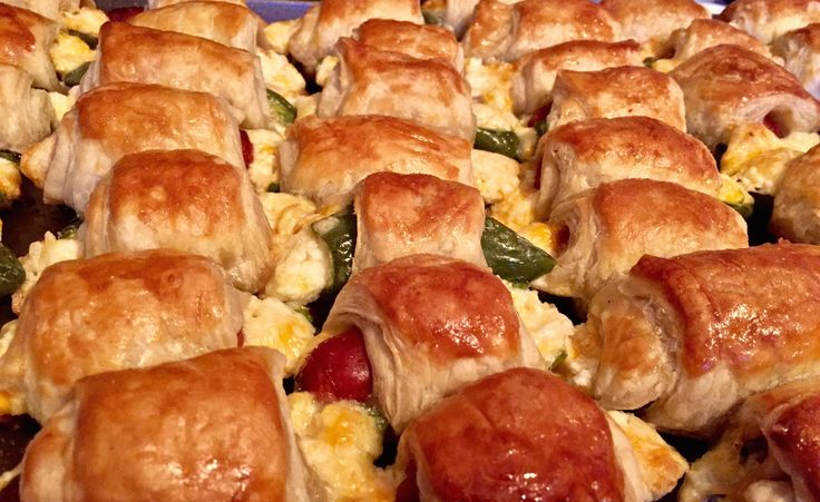 Made those Jalapeño Popper Piggies in a Blanket from /r/morganeisenberg! They were a HUGE hit! [OC] [3264  2002]