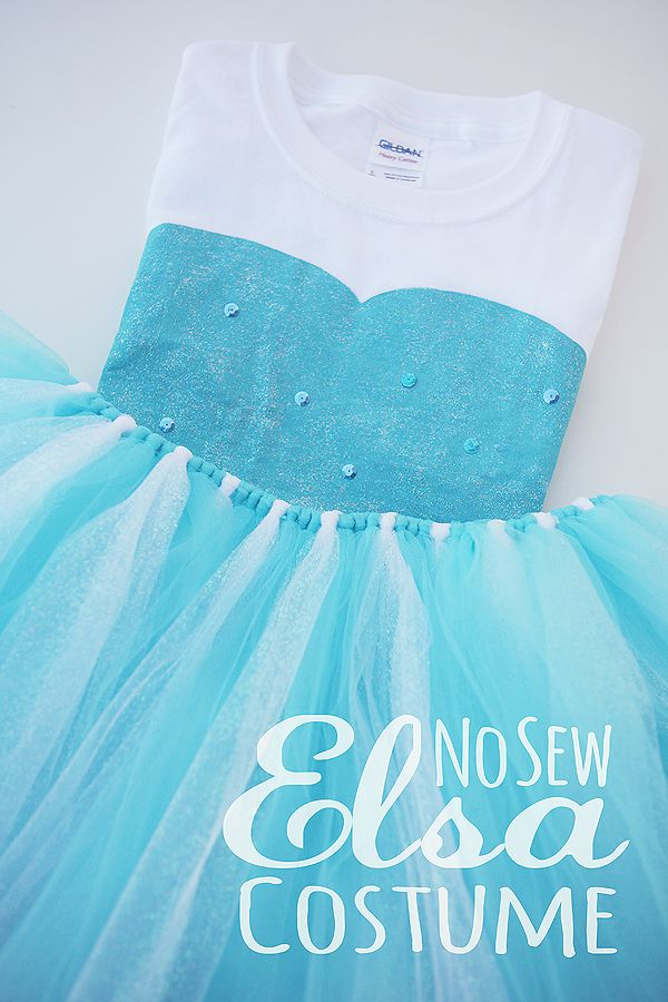 No Sew Elsa Costume ~ eighteen25 ~ http://eighteen25.blogspot.com/2014/10/diy-no-sew-elsa-costume.html: