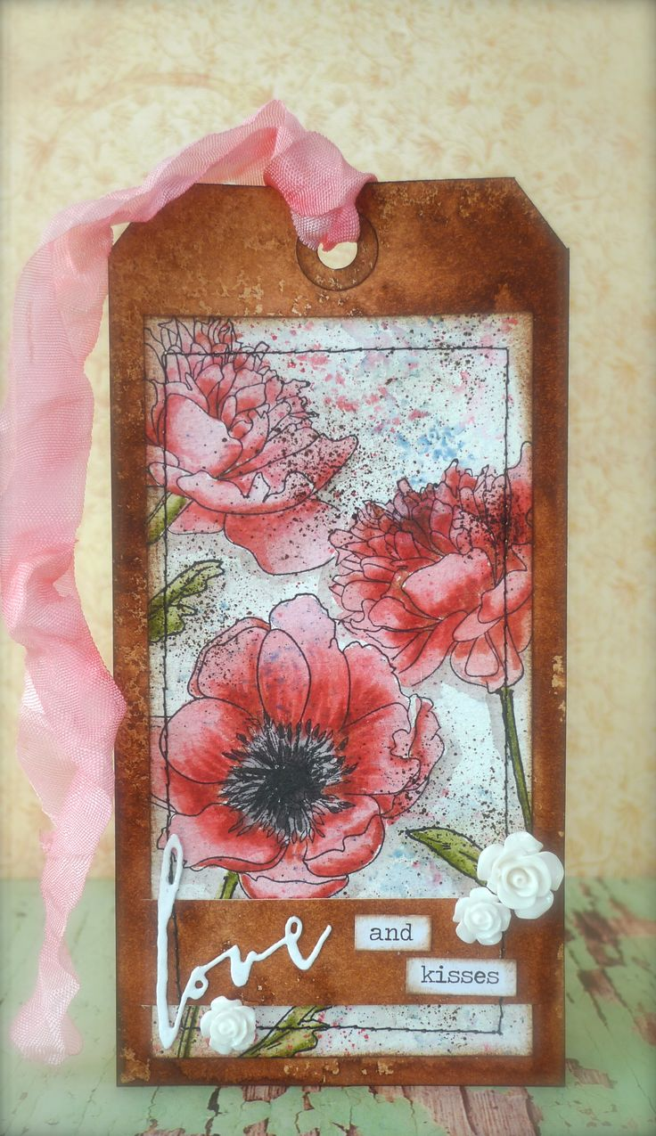 Tag of April. Tim Holtz inspiration. Synnøves Papirverksted. Handmade tag.