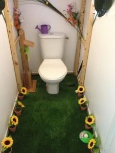 Silence ça pousse ! Les toilettes créa de Camille http://blog.zodio.fr/decorer/decorer_maison/decorer_maison_toilettes/76231-silence-ca-pousse