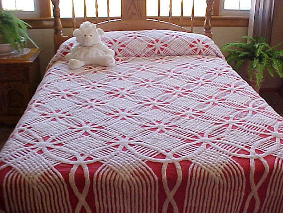Collectible mid century Double Wedding Ring chenille bedspread with Red background and white chenille