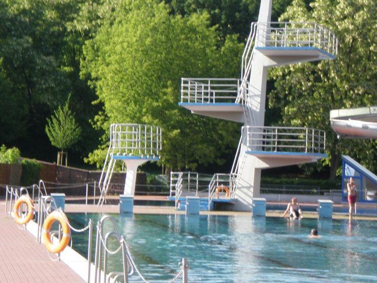 Die besten 25 schwimmbad berlin ideen auf pinterest for Finckensteinallee schwimmbad