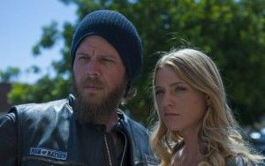 (Note: Do not read if you haven't been watching this season of Sons of Anarchy and don't wish to know some pivotal information regarding the death of a major character.) As sometimes happens in Hol...