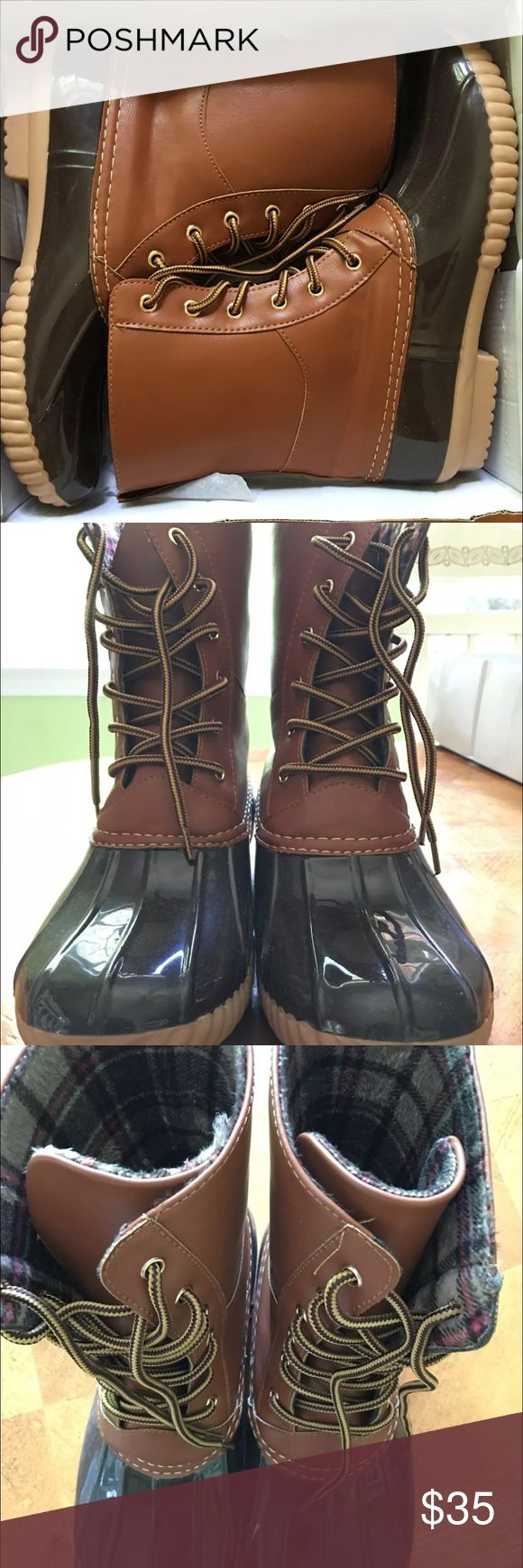 Women's Duck Boots Size 10 RUNS SMALL. Only worn once. Off Brand Shoes Ankle Boots & Booties