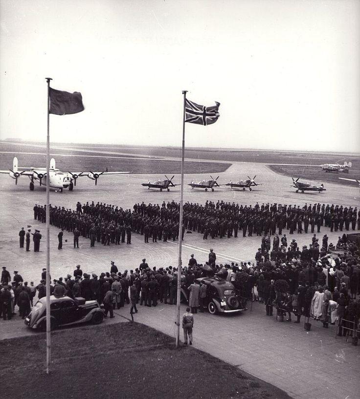 18. srpna 1945, Praha – ruzyňské letiště: Návrat letců.